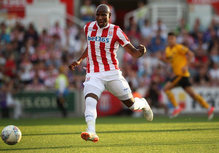 Afobe in het shirt van Stoke City.