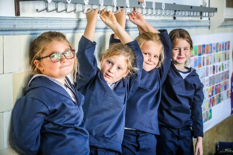De eerste meisjes in de Ibis zijn Ladinah, Caitlynn, Lobke en Indi.