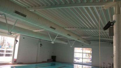 Gewicht van sneeuw op dak doet kabel knakken: zwembad blijft weken dicht