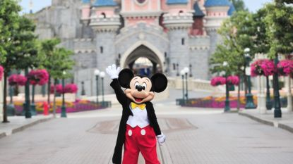 IN BEELD. Mickey en Minnie Mouse heropenen Disneyland Paris
