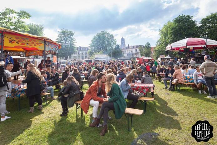In Park Lepelenburg vindt dit weekend foodtruckfestival Lepeltje Lepeltje plaats.