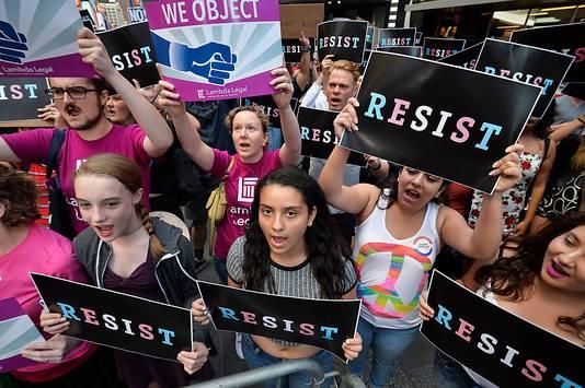 Protest in New York tegen Trumps beleid om transgenders te weren uit het leger.