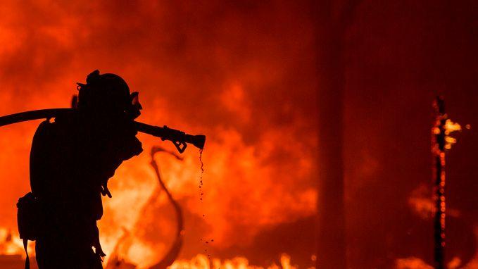 Vuurzee bedreigt Californische wijnstreek