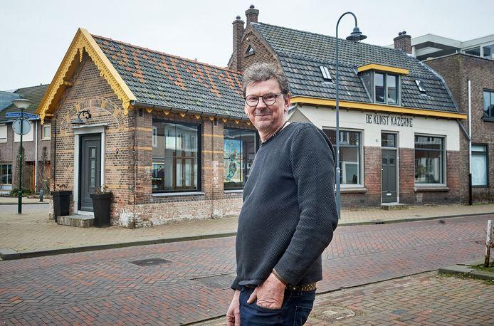 Kunstenaar Twan van de Vorstenbosch: trots op zijn huis.