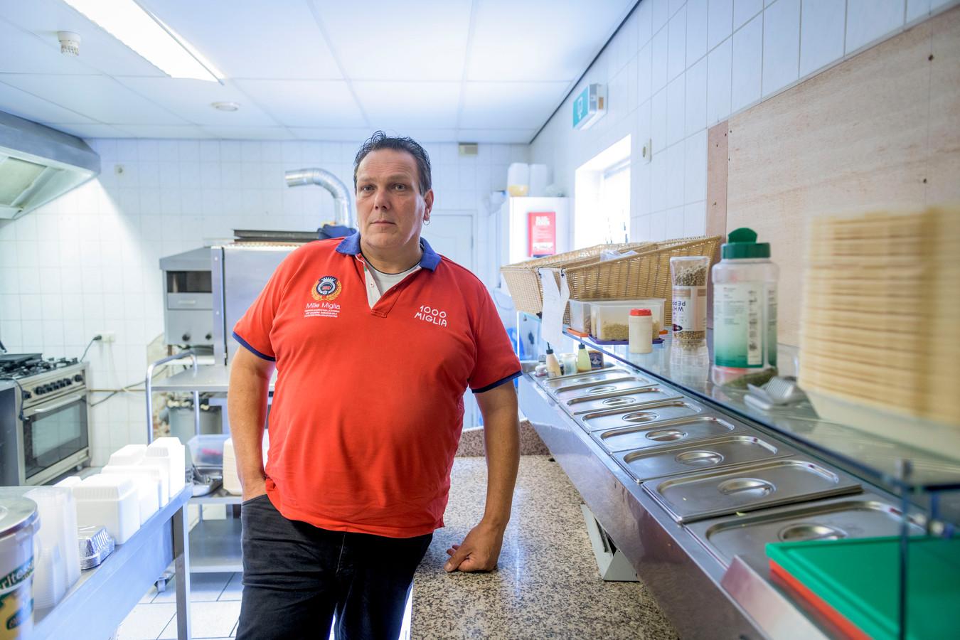 Richard Quick gaat zijn Aadorpse horecazaak Broodje bij de Brug voortzetten bij het partycentrum van Henny ter Avest. De juridische procedures gaan onderhand gewoon door.