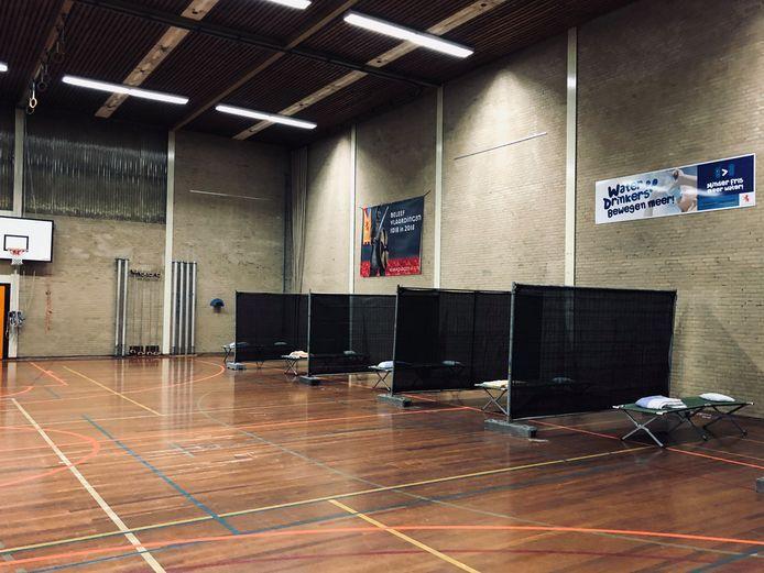 In de sporthal waren bedden voor daklozen neergezet.