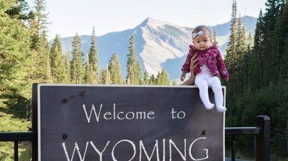 Schattig: vijf maanden oude Harper wordt jongste persoon ooit die alle vijftig Amerikaanse staten al bezocht heeft