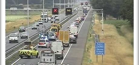 Ongeluk op A58 bij Oirschot, rijstrook richting Eindhoven afgesloten