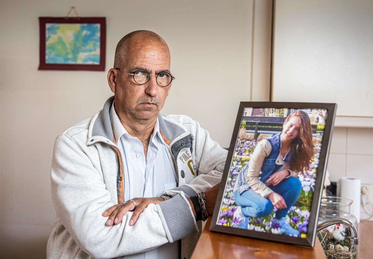 Rene Verschuur, vader van de 19-jarige Roos die werd doodgeschoten tijdens de aanslag in de tram in Utrecht.