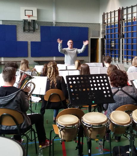Jeugdorkest Oud-Vossemeer oefent voor nieuw festival
