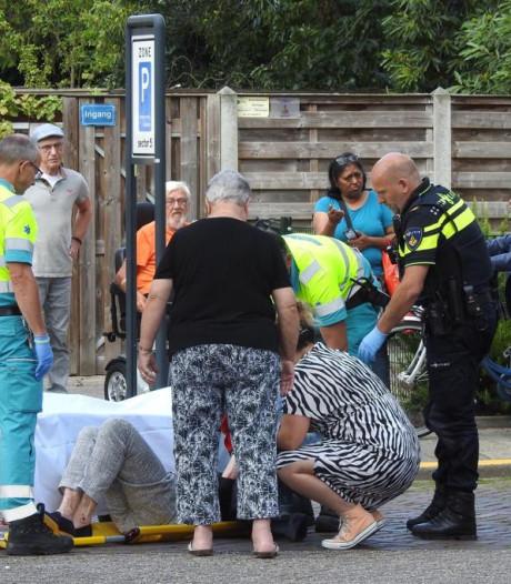 Vrouw valt van fiets in Valkenswaard en moet naar het ziekenhuis