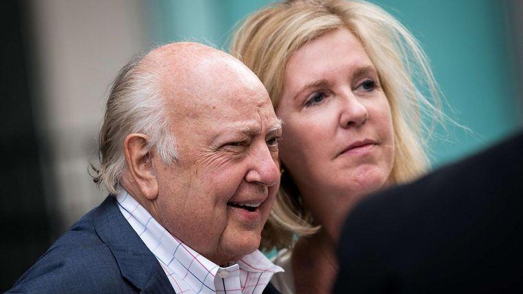 Roger Ailes en zijn vrouw Elizabeth Tilson Beeld null