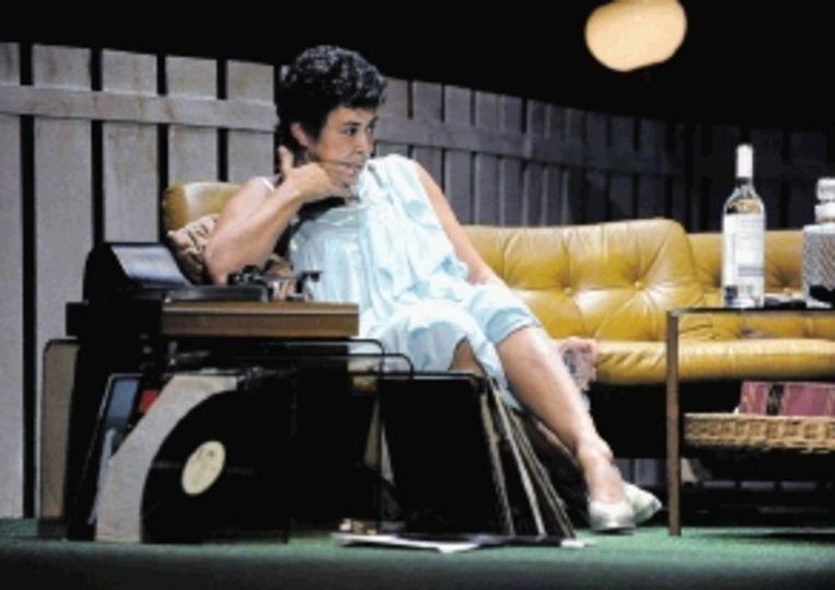 Heddy Lester als Oma Loes in 'Dromen zijn bedrog'. (FOTO ROY BEUSKER) Beeld