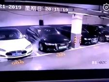 Tesla onderzoekt ontploffende auto China