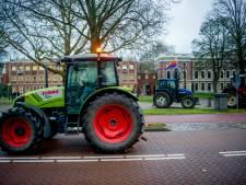 Twee jongens stelen tractor en joyriden in Den Bosch, politie zoekt hen