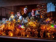 Dordtse Paula heeft haar kerstdorp al opgebouwd: 'Iedereen blijft kijken en zwaait naar ons'