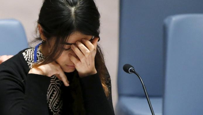 Nadia Murad Basee vertelt op het hoofdkantoor van de Verenigde Naties hoe het was om door IS-strijders te worden mishandeld en verkracht