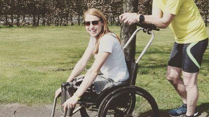 """Hannelore moet recordpoging staken, begeleider afgevoerd naar ziekenhuis: """"Yves is sowieso een held voor mij"""""""