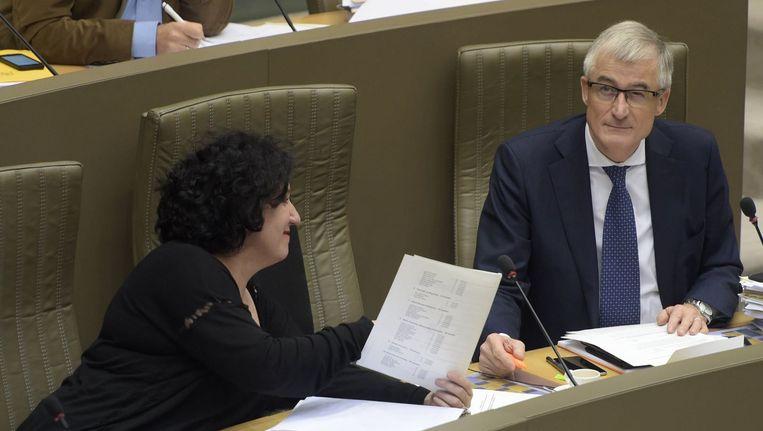 Vlaams minister van Begroting Annemie Turtelboom (Open Vld) en Vlaams minister-president Geert Bourgeois (N-VA).