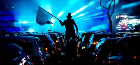Een feestje bouwen in je eigen auto tijdens de 'carwatch' in Meierijstad