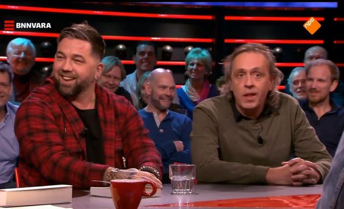 Theo Janssen (links) met schrijver Marcel van  Roosmalen
