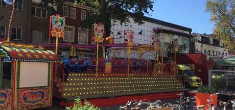 Peuter raakt gewond op Hengelose kermis: familie-achtbaan gesloten