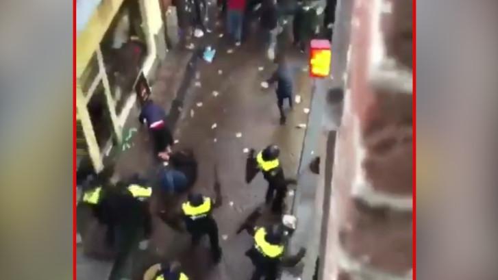 Politie arresteert Engelse hooligans