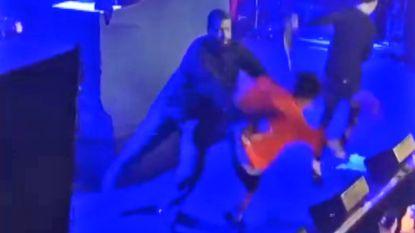 Fan danst met rapper Lil Mosey. Security duwt hem hardhandig van podium