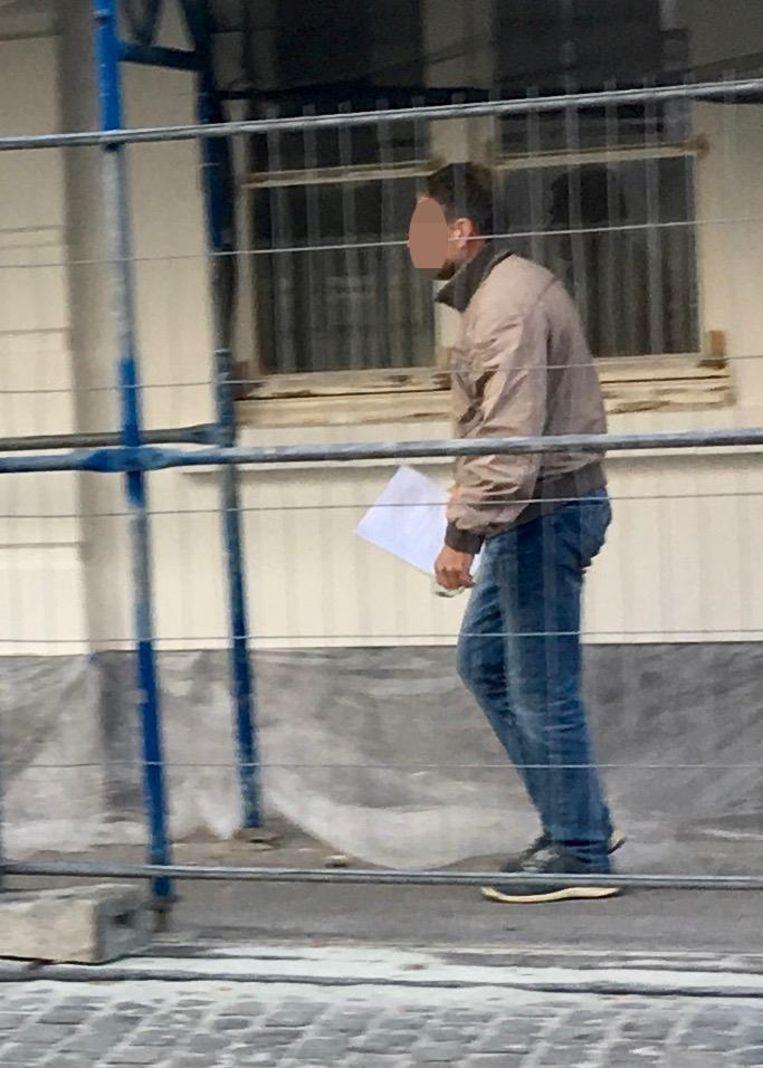 Ludo P. bij het verlaten van de rechtbank.