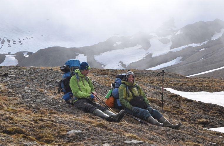 Bart Van de Vijver (rechts) met de in maart overleden Gert Ausloos tijdens een expeditie in Spitsbergen.