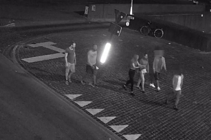 Het groepje met de dader en de vier andere getuigen.