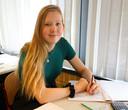Megan de Blaeij krijgt wiskunde tijdens examentraining