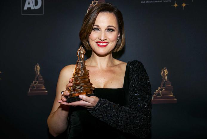 Brigitte Heitzer met haar award