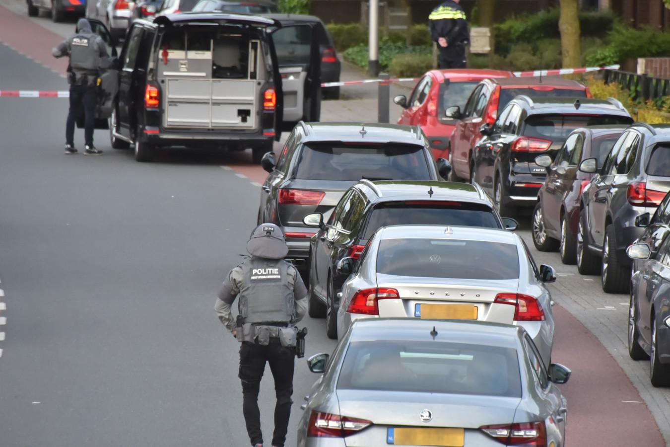 Arrestatieteam in Ottersum.