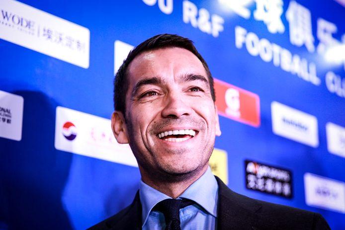 Giovanni van Bronckhorst als trainer van Guangzhou R&F.
