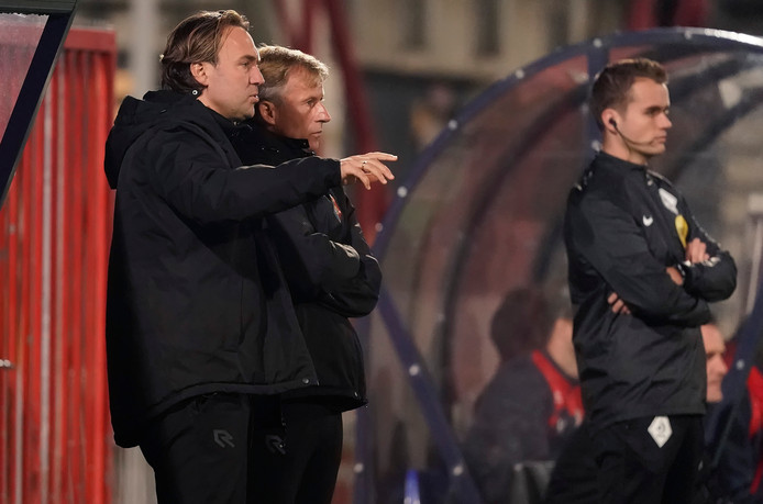 Arvid Smit (links) naast Telstar-coach Andries Jonker.