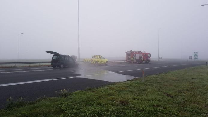 De auto kwam midden op de weg stil te staan, daarop werd besloten de snelweg dicht te zetten.