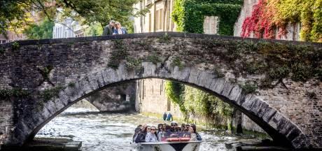"""Burgemeester van Brugge lanceert opmerkelijke oproep: """"Aannemers, pomp overtollig water desnoods in de reien"""""""