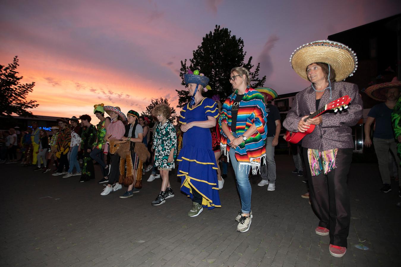 Ook met salsadansen bij Den Hof waren punten te verdienen.