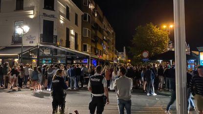 Beelden tonen hoe honderden (vooral Nederlandse) jongeren samentroepen in Knokke-Heist: politie vraagt bijstand van omliggende korpsen om uitgaansbuurt te ontruimen
