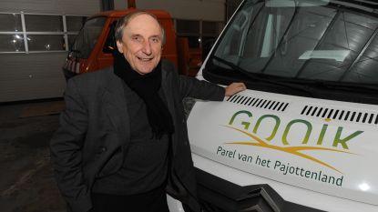 Burgemeester Michel Doomst kruipt weer in zijn busje