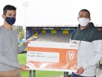 Supporters Waasland-Beveren schenken cheque van 6.210 euro aan kankerpatiënte Caroline