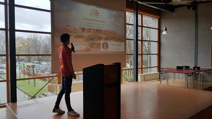Bruno Martens gaf een presentatie over het Solar Team van TU Delft