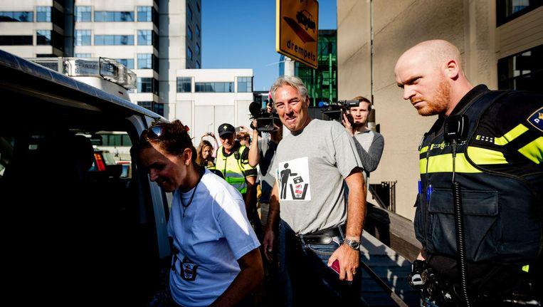 Pegida-voorman Edwin Wagensveld met het gewraakte t-shirt aan. Beeld anp