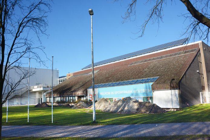 De oude sporthal in de Klapperstraat wordt één van de twee vaccinatiecentra voor de regio Waasland Noord-Oost.
