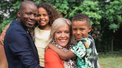 """""""Mijn dochter smeekte me om haar wit te maken"""": Hilde Vautmans en haar Congolese man Sam over hun dagelijkse strijd tegen racisme"""