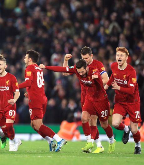 Liverpool na spektakelstuk met 10 goals en 10 pingels langs Arsenal