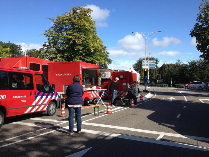 Ook de snackwagen van de brandweer werd ingezet.