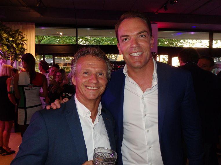 Formule I-historie: oud-coureurs Jan Lammers (l) en Robert Doornbos: 'Ik voel me oud bij Max, maar ik denk dat iedereen dat heeft.' Beeld Hans van der Beek