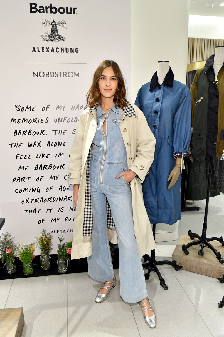 Alexa Chung. Beeld Getty Images for Barbour
